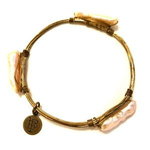 Bourbon and Boweties Pearly Bracelet